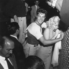 Unknown/Hulton Archive/Getty Images/Globe Photos - Marilyn Monroe & Dale Robertson - 1952