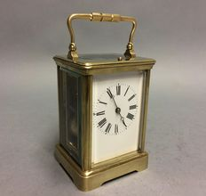 Antique brass carriage clock with striking mechanism and repetition - Period 1840