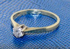 Gold ring, 14 kt, inlaid with diamond, ring size: 18.