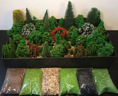 Noch/e.a H0 - Scenery: 72 trees and 6 bags of ground cover