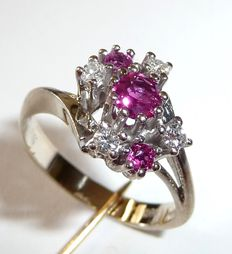 14 kt/585 white gold ring with 4 diamonds and 3 natural rubies, small ring size 52/16.5 mm adjustable