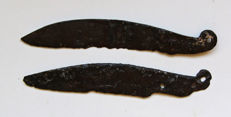 2 Celtic Iron La Tene knives with supporting ring - 13.2/12.8 cm (2)