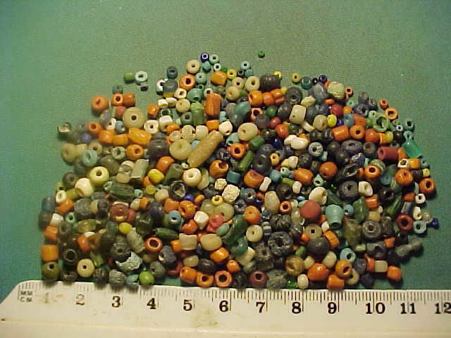 Over 500 Roman period glass, terracotta and stone beads - 0.25-5 mm (500+)
