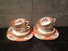 Royal Paragon- 4 Bone China Kop en schotels en 4 sideplates decor Rockingham