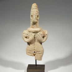 Syrian male idol, terracotta. H; 10,3 cm