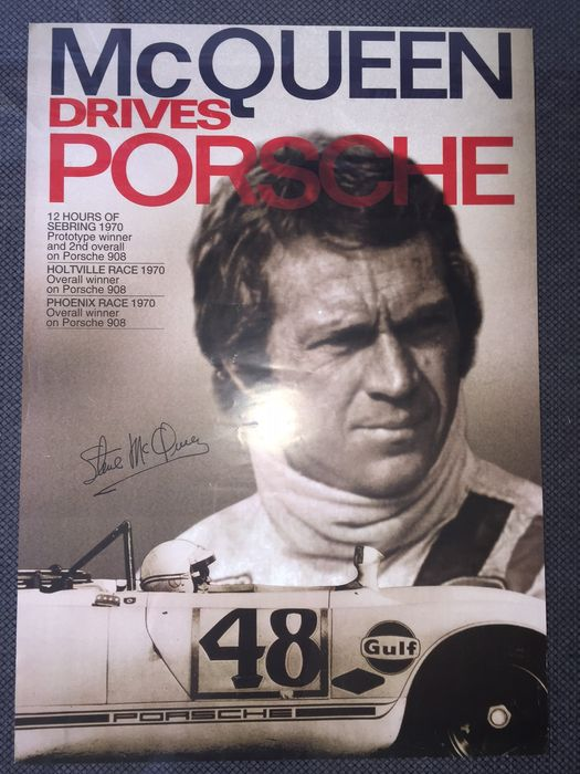 affiche steve mcqueen drives porsche 1970 60x84 cm. Black Bedroom Furniture Sets. Home Design Ideas