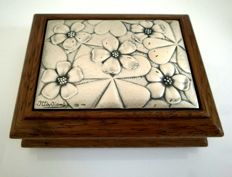 Ottaviani - wooden box with bas-relief in 925 Silver.