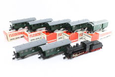 Fleischmann H0 - Steam locomotive with tender BR 53 with 7 Carriages of the DRG
