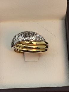 Two-tone 750/1000 gold cocktail ring set with diamonds. Cocktail ring: 54.