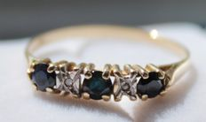 Yellow gold ring in 14 kt, inlaid with sapphire and diamonds, ring size 19