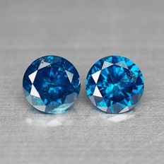 0.62 ct Blue diamonds – (2 pieces / 0.62 ct in total)