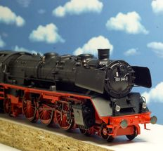 Märklin H0 - 37955 - 02 - Steam locomotive with tender BR 003 of the DB