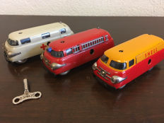Schuco, Western Germany - Length 11 cm - Shell Varianto - Bus 3046 and Varianto - Sani 3043 and Varianto Fire Engine 3047 with clockwork motor, 1950s/60s