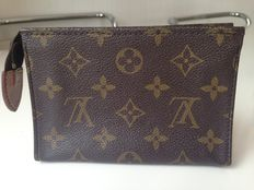 Little Louis Vuitton cosmetic bag