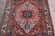 Beautiful & Original Iran Persian Bachtiari hand knotted 166 x 257 cm with certificate of authenticity