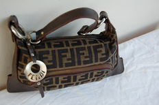 Fendi – vintage shoulder bag