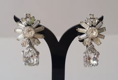 STUNNING Crown TRIFARI Silver Tone Starburst Diamanté Earrings