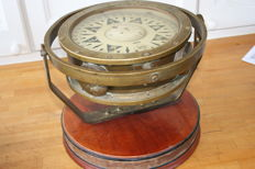Large heavy compass maker Sestrel England liquid compass from the first half of 20th century.