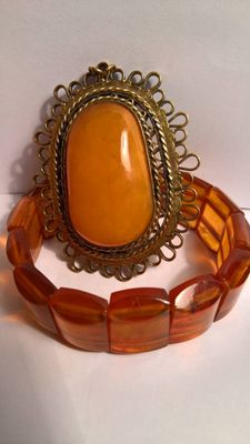 Set of bracelet and vintage pendant made of 100% Baltic Amber, total 55 grams, no reserve