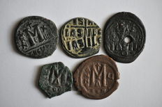 Byzantine Empire - Collection of 22 AE Coins (Trachy, folles - c. 6th - 11th century)