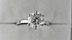 1.78 ct  round diamond ring made of 14 kt white gold - size 6