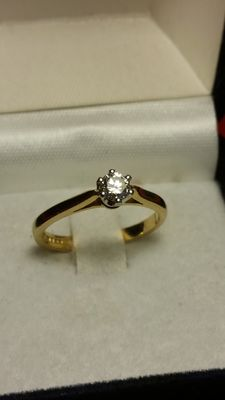 18 kt gold solitaire ring – 0.20 ct diamond - size L 1/2