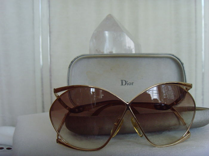 f7741c61ad Christian Dior – Sunglasses – Women's - Catawiki