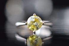 18 kt white gold ring with 1.0 ct intense yellow diamond VS2 - size 49.5