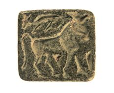 Stamp seal with decorated parade horse steatite l = 26.1mm