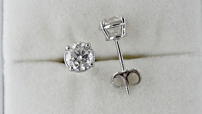 1.48 ct round diamond stud earrings 14 kt white gold*** NO RESERVE PRICE ***