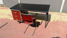 Gispen - Kleurodesk desk with Gispen 201 chair