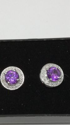 Earrings in 925 silver – No reserve price – With amethyst – Dimensions: approx. 1 cm