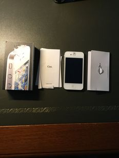 Apple iPhone 4 - 8GB - boxed