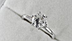 1.00 ct  round diamond ring made of 14 kt white gold - size 6.5