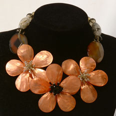 Floral necklace with gems and hand-made crystal