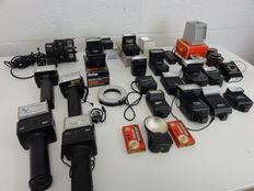 Lot of more than 20 flashes