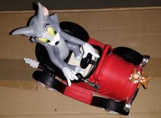 Looney Tunes - Warner Bros - Tom and Jerry Driving in Car - red Color