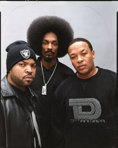 Unknown/London Features International - The Source Magazine - Ice Cube - Snoop Dogg and Dr Dre - 2000.