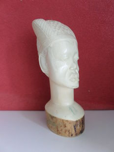 Head of a man in ivory - D.R. Congo