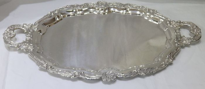 Silver oval tray - Engraved - Spain - 20th century
