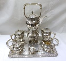 Coffee service in .925 silver. Spain. First third of the 20th century.