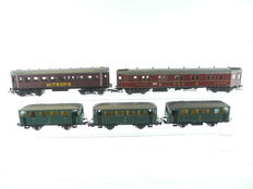 Schicht/Liliput/Piko H0 – 84202/and others - 5 different passenger carriages of the DRG/K.Sächs.Sts.B. [732]