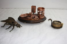 Bronze art deco smoking set, bronze stackable ashtrays and a bronze ashtray in the shape of a fly. First half of 20th century. Origin: Germany, Italy.
