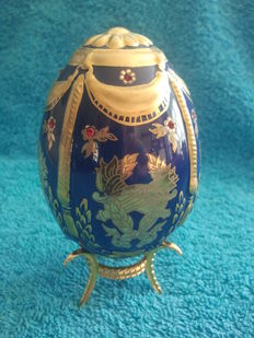 """Fabergé the imperial jeweled egg """" heritage of the czars"""""""