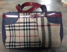 Burberry – Handbag