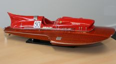 Beautiful model of the famous hydroplane racing boat Ferrari Arno XI, 1953