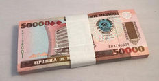 Mozambique - 50,000 Meticais 1993 - In original bundle of 100 - Pick 138