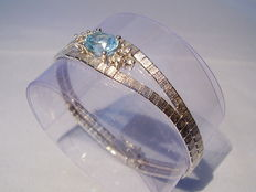 Vintage bracelet with certified blue topaz of 3.35 ct and 6 white topazes of 0.60 ct