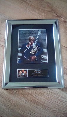 BB King signed ( printed ) framed photograph.
