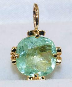 14 ct (585)  golden two-way pendant  - Emerald 2,66 ct - total 1,43 g.